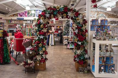 Christmas Spectacular 2017 Arch